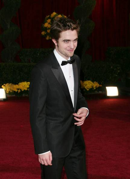 http://fashionbyme.files.wordpress.com/2009/02/04_robert_pattinson_2.jpg